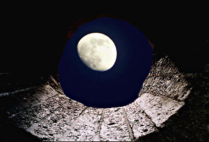 《银月降临》菲利普赖利和洁妮爱莉森 - 空山鸟语 - 月滿江南